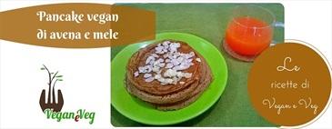 Pancake vegan di avena e mele