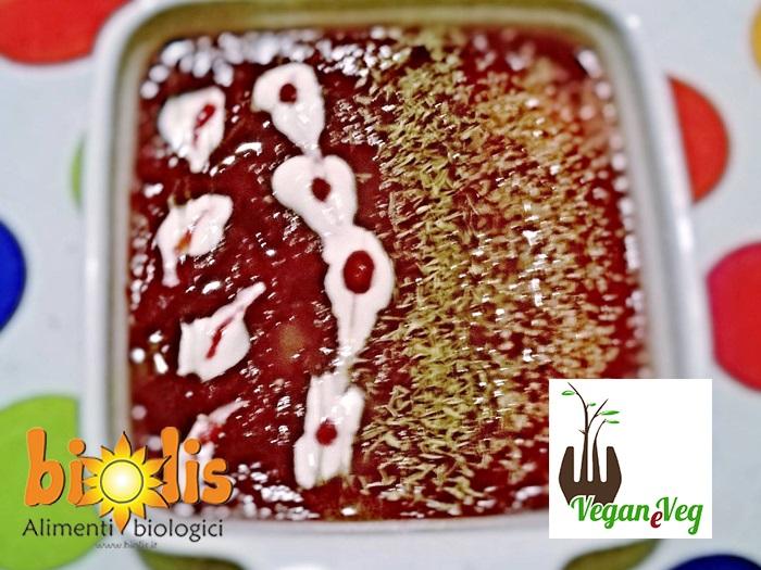 Vellutata di barbabietole rosse, ricetta vegan di Manuela Garaffo per Biolis - Supermercato biologico e naturale