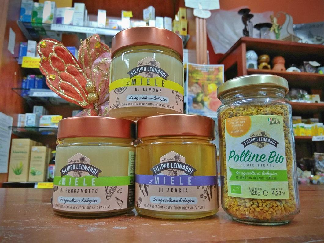 Assortimento di miele e polline d'api dell'azienda Filippo Leonardi da Biolis - negozio bio di Messina